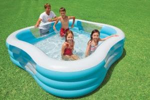 Intex Schwimm Center Family Pool mit vier Fenster